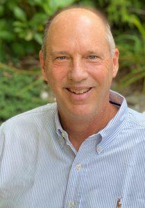 Warren Tuttle headshot